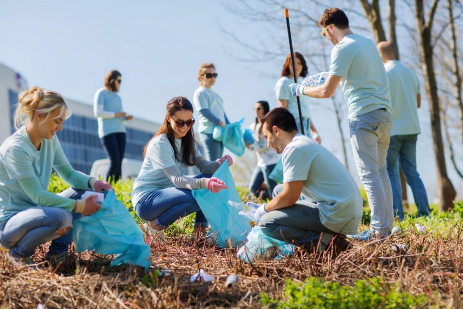 Volunteering,,Charity,,Cleaning,,People,And,Ecology,Concept,-,Group,Of